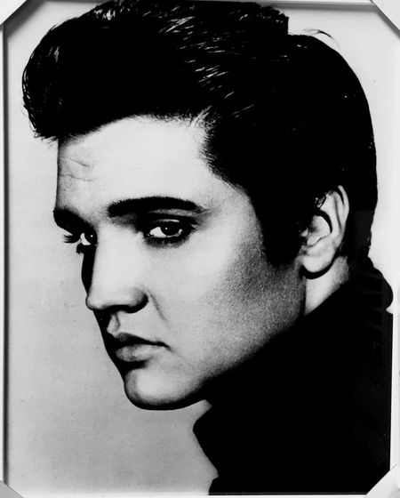 Elvis Presley Elvis Young Adult Person Lifestyles Beauty Confidence  Human Face Vintage Photo Close-up Like4like Handsome Loving Lovely Love ♥ In The Wall Moldura Quadro Quadrofabulous