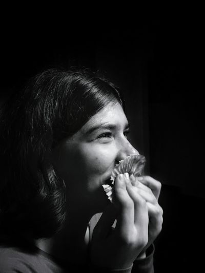 Showcase: November Black And White Photography Blackandwhite Girl Teenager Eating Laughing Caught Off Guard EyeEm Best Shots - Black + White Learn & Shoot: Simplicity Enjoying Life Youth Of Today Cupcake Wrapper Done Getallthecrumbs Lick It Eyebrow Adolescence  Yum Foil  Joyful Satisfaction Smile Pure Bliss