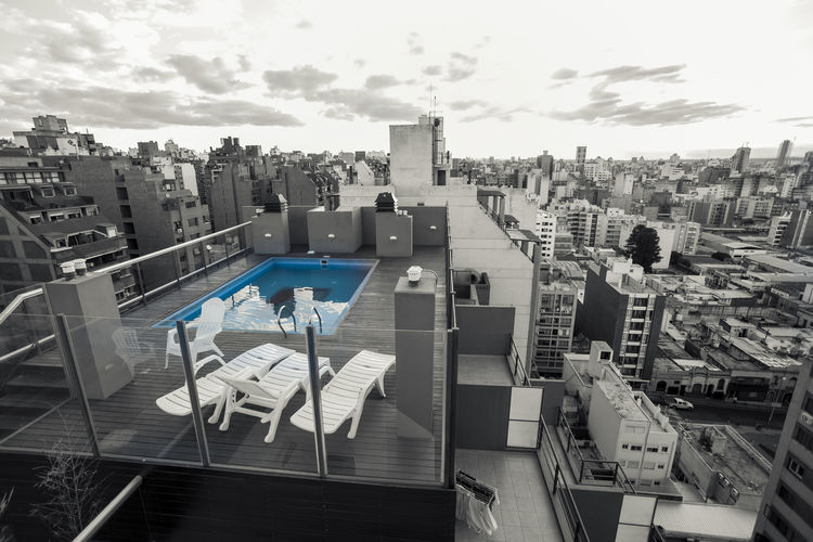 Desde arriba - From the top City City Skyline Cityscape Architecture Building Building Exterior Built Structure City City Life Cityscape cityscapes High Angle View Office Building Exterior Outdoors Residential District Skyscraper Swimming Pool Water