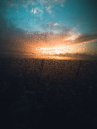 Sunset Theshard London Drink Close-up Frosted Glass RainDrop