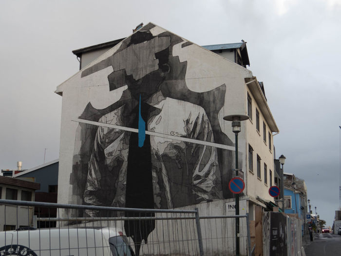 Street art in Reykjavik, Man without face with blue tie Iceland Man Reykjavik Architecture Bluetie Building Exterior Built Structure City Day Island Krawatte Mann No People Ohne Gesicht Outdoors Streetart Tie Without Face