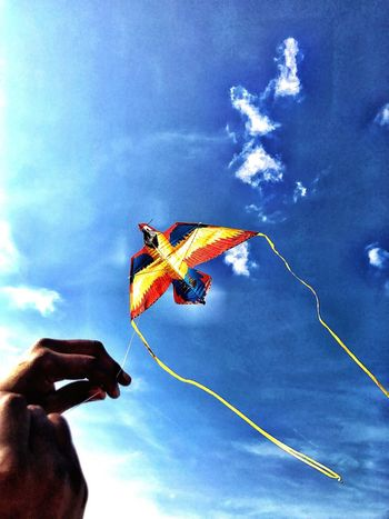 Cloud - Sky Flying Kite Human Hand Unrecognizable Person Blue Leisure Activity Outdoors Mid-air Holding