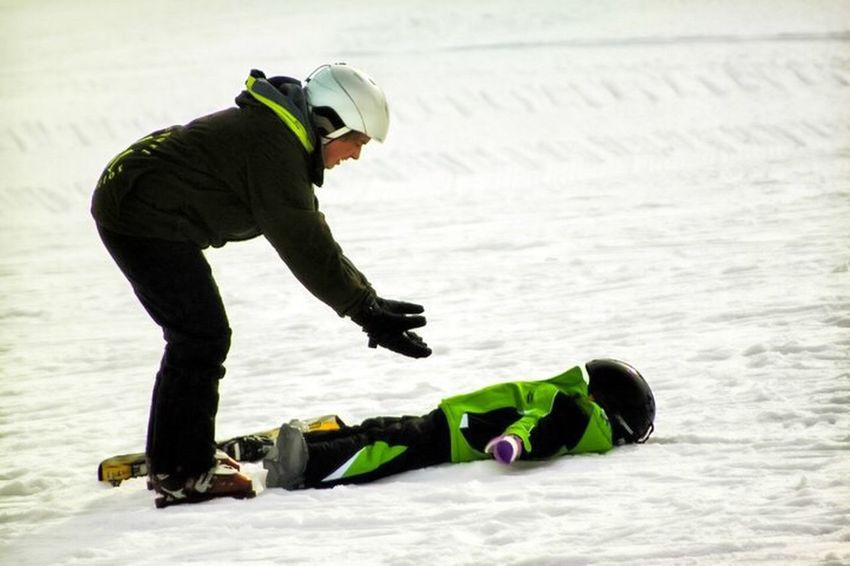 Photography In Motion Michigan Skiing Wipeout Lesson Instructor Girl Marquette Mountain Marquette Telling Stories Differently The Portraitist - 2016 EyeEm Awards EyeEmNewHere The Street Photographer - 2017 EyeEm Awards