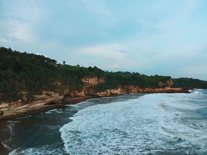 Beauty In Nature Cliff Coastline Exploring Landscape Outdoors Power In Nature Rock Rock Formation Scenics Sea Tranquil Scene Tranquility Vacation Voyage Water Wave