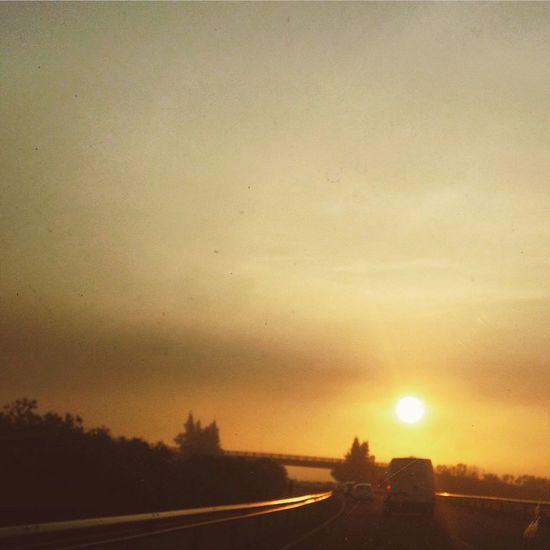 Así de bonita está la mañana Sevilla Movilgrafias Simple Moment On The Road Traveling EyeEm Best Shots EyeEmBestPics
