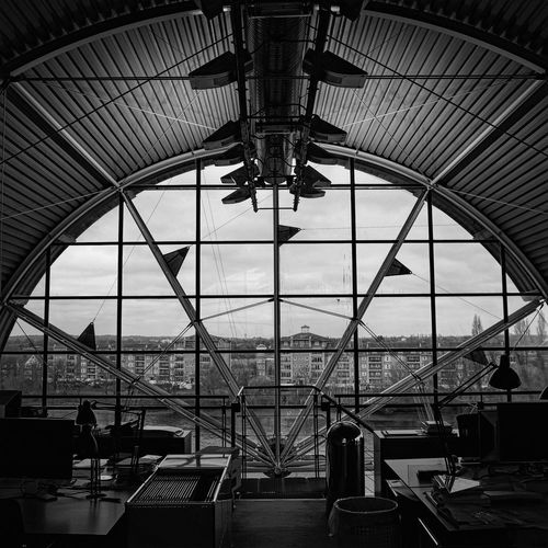 LND #01 Architecture Building Bw Interior London Office Richard Rogers Ricoh Gr River Rogers Round Rshp Themse Window