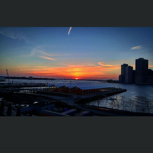 DUMBO Hanging Out Taking Photos Check This Out Enjoying Life Smartphonephotography Brooklyn Downtown Brooklyn Sunset Taking Photos NYC Photography Brooklynpromenade