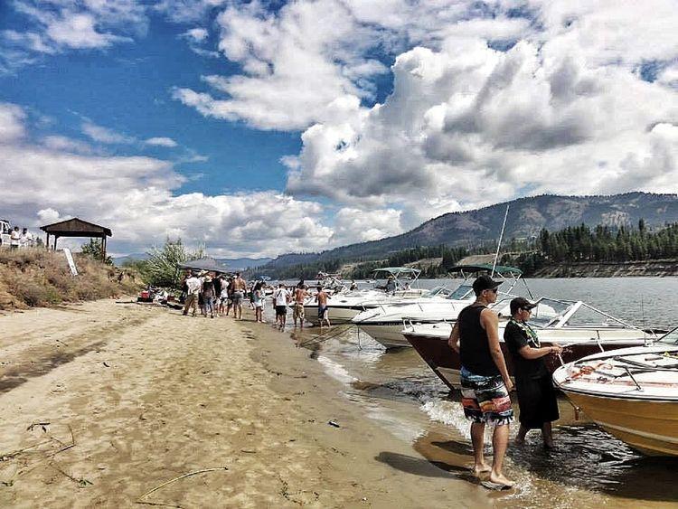 Collected Community Lake Weekend Boats Watercraft Poker Run Washington Lake Roosevelt Beach