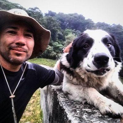 El es Humboldt, es el perro guardián de la entrada al parque Nacional Sierra Nevada en el sector La Mucuy en Mérida - Venezuela . Humboldt, que es de la raza Mucuhies, una raza propia de esta region del país, tiene una particularidad: es quien te da la bienvenida después de salir de tan duro viaje a los picos de esta zona. Te recibe y juega contigo. La verdad que es gratificante después de llevar tanto frío, que un gesto tan cálido de parte de este perro te llene el alma. / It is Humboldt, is the watchdog of the entrance to the Sierra Nevada National Park in Merida - Venezuela. Humboldt, which is the Mucuhies race, its own breed of this region, has a particularity: it is who welcomes you after leaving so hard trip to the peaks of this area. Get and play with you. Is gratifying that after taking so cold, a warm gesture of this dog fills your soul. Travel Picoftheday Elnacionalweb Canon Photojournalism Everydayvenezuela Everydaylatinamerica Everydayeverywhere Turism Turismo Gf_daily Gotravelfree Gf_venezuela IG_GRANCARACAS IgersVenezuela Insta_ve IG_Venezuela Instafoto_ve Icu_venezuela Ig_lara Igworldclub Ig_tachira Ig_merida instavenezuela