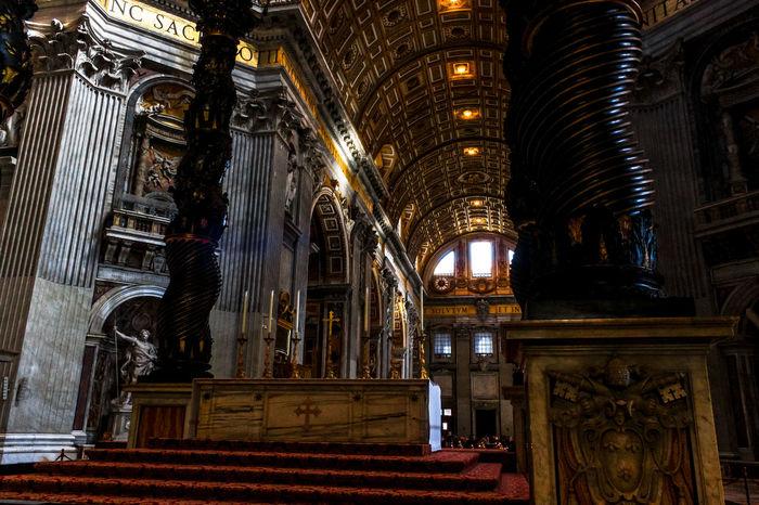 Columnas del Vaticano Architecture Built Structure City Indoors  No People Religion San Pablo Spirituality Tourism Travel Travel Destinations VaticanCity