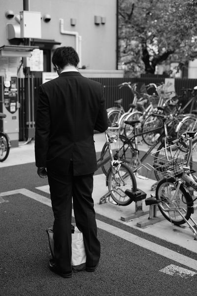 2016-10-14 Rear View Street Full Length One Person Land Vehicle Bicycle One Man Only Mode Of Transport Transportation Men City Standing Outdoors Adults Only Only Men Built Structure Real People Adult Day People Street Photography Streetphotography