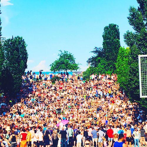 Berlin Mauerpark Sommer Summerinberlin Karaoke Park Nature Realpeople Large Group Of People Crowd Berlinlove Celebration Berlin Love