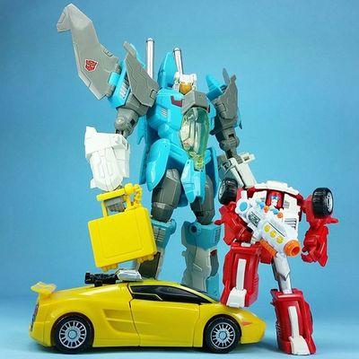 F R I D A Y Transformers Brainstorm SWERVE  Sunstreaker