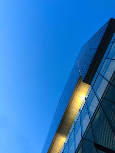 Alloy Architecture Blue Building Building Exterior Built Structure City Clear Sky Copy Space Directly Below Glass - Material Low Angle View Modern Nature No People Office Office Building Exterior Outdoors Reflection Sky Skyscraper Steel Window