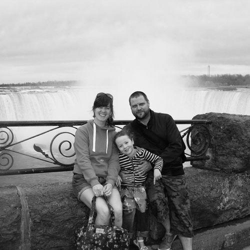 Me, the wife, and the child Family Canada Niagrafalls Niagra familyphoto