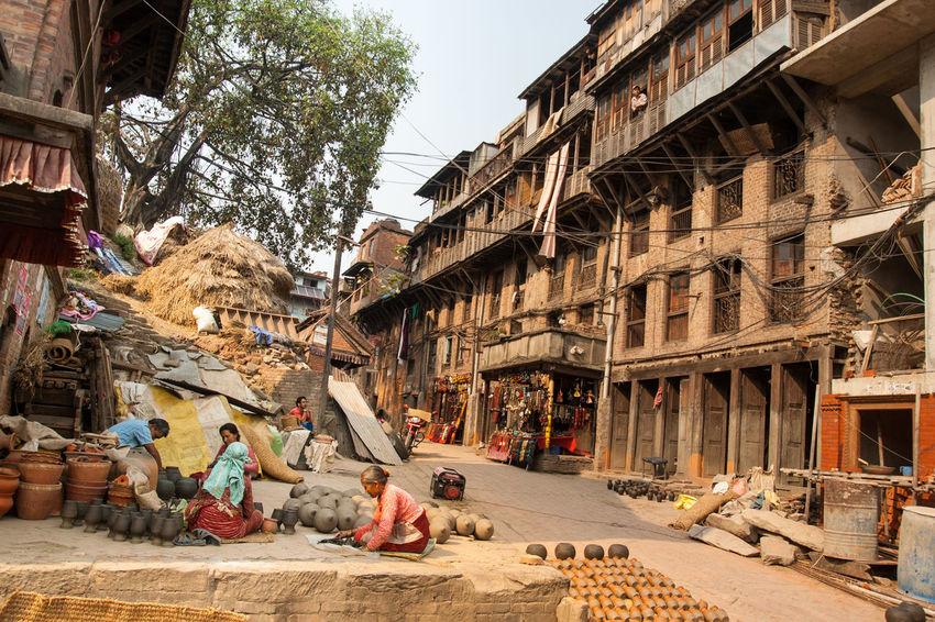 Altstadt Bhaktapur Handcrafts Handwerk Locals Nepal Old Town Pottery Töpfer Vasen Vases