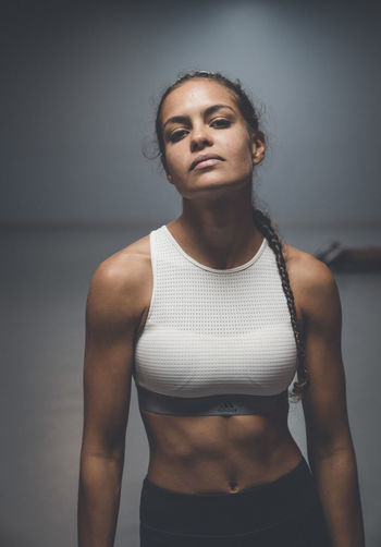 Real People Sport Sports Training Muscular Build Weight Training  Weightlifting Woman Strong Strongwoman Gym Fitness Fitness Training Athlete One Person Sport Clothes Fitness Motivation Fitness Clothing Fitgirl Weightloss Dynamic Motivation Crossfit Crossfit Girl Healthy Lifestyle Indoors