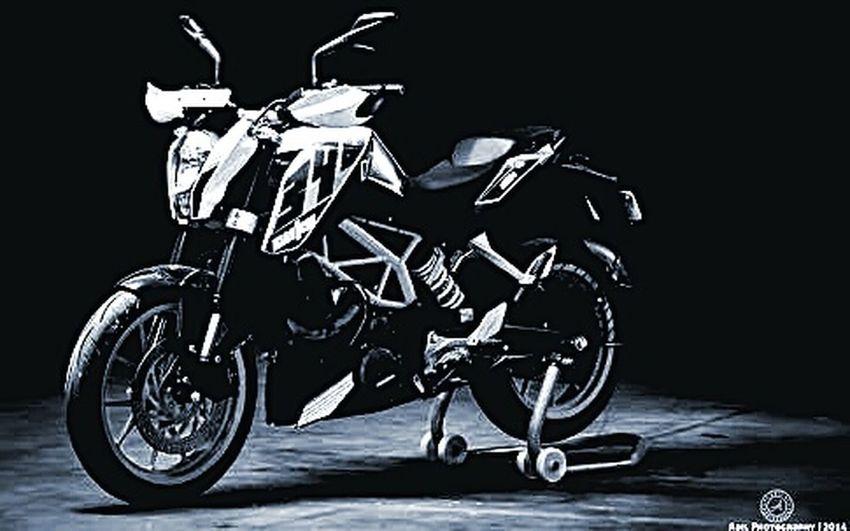 DuKe 390..... Ruler Of The Road $uper Speedz... Racerz...best Choice Dark $h@d0w..