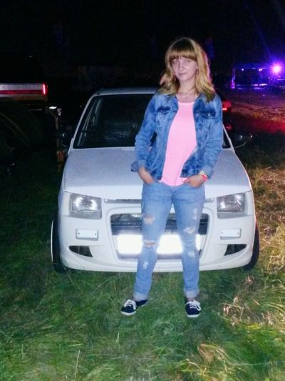 Carfest 2015 Belka Car White Girl
