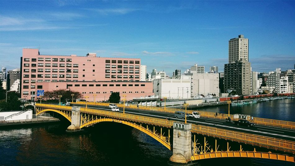 Sumida River is 27 Km long and flows through Tokyo and into Tokyo Bay . There are 26 Bridges on sumida river, almost 1 for every km. Japan Travelphotography Beautiful Day Day Trip Coach Travel