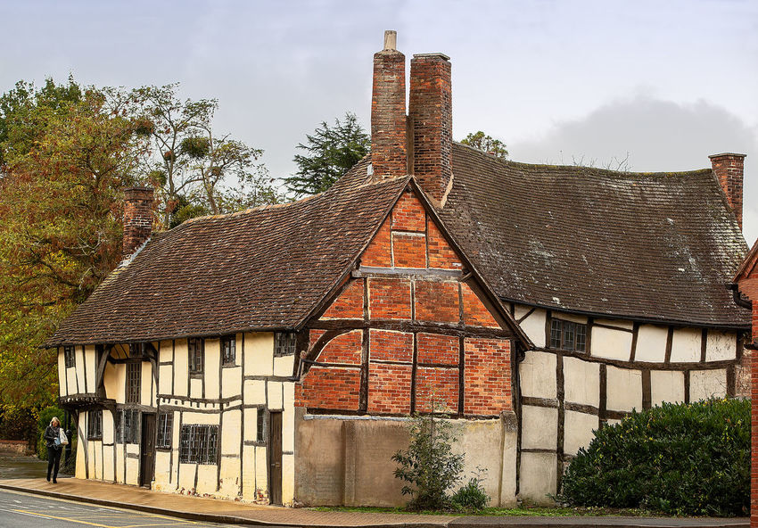 Rustic house, Stratford-upon-Avon Built Structure Architecture Building Exterior Building Roof Tree Plant No People Day Nature Sky House Old Roof Tile Religion Outdoors Cloud - Sky History Residential District The Past