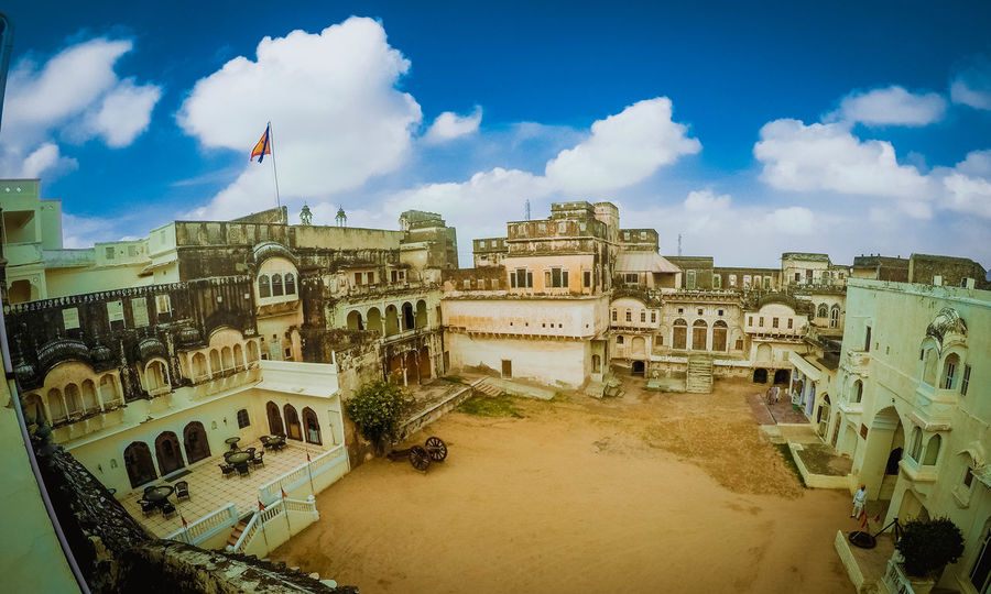 Mandawa, Rajasthan The Architect - 2018 EyeEm Awards Mandawa, Rajasthan Castlemandawa Castles Luxury Hotel History City Ancient Civilization Sky Architecture Building Exterior Cloud - Sky Built Structure Amphitheater Archaeology Old Ruin