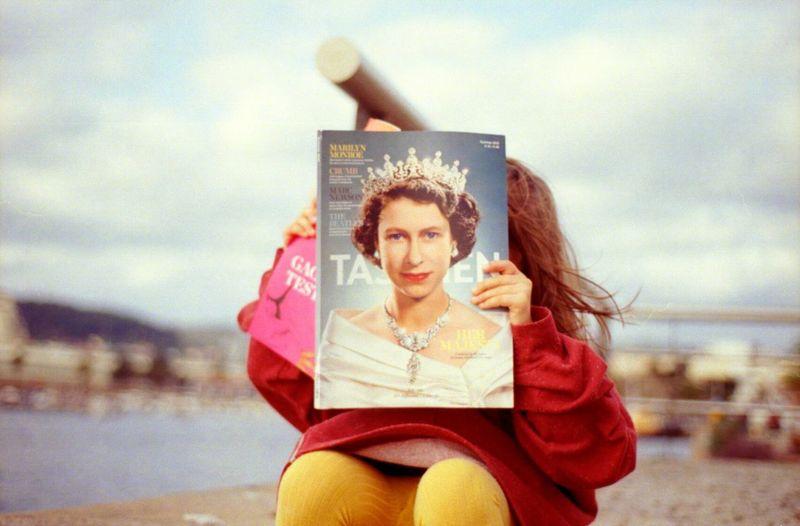Portrait Girl Fine Art Photography Taschen Queen