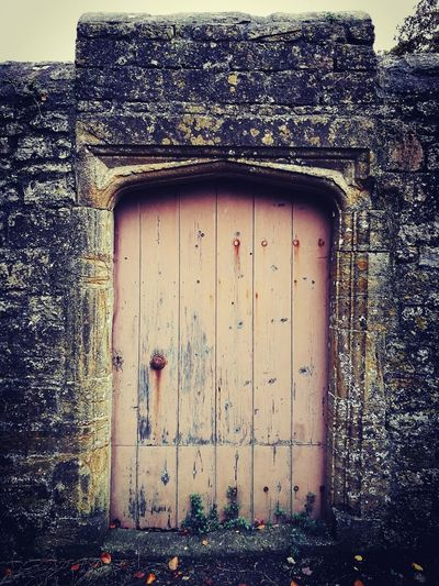 Door Architecture Outdoors Building Exterior Taking Photos Photography Getoutandexplore Nature Capture The Moment Adventure EyeEm Selects Autumn Autumn Leaves Doorway Doors From The Past Doors With Stories Woodlandwalks Findingbeauty My Best Photo
