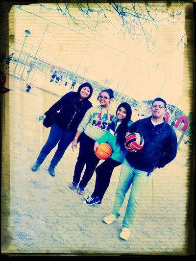 Con Ellos.. :p