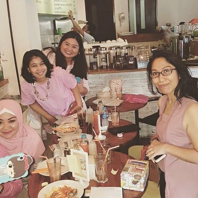 """Batch 10, """"Love is In The Air"""", Pinkies's Day. At Locarasa, Kemang. Arisan 10 By ITag ImpressiveMindsMoms Arisan IMCH By ITag Friends By ITag"""