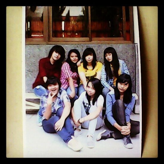 Me WithBestFriends Togetherness Tampel lovelyfriend bestmoment loveitsomuch happymoment with @indahkusumahadi @erikatyas @mutiamumuth @oryza17