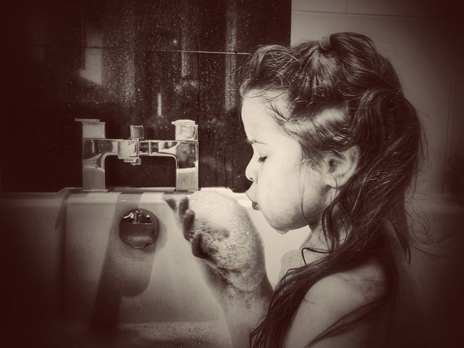 Daughter Vintage Bubble Bath Looking Cute Samsung S7 Edge Fresh On Eyeem