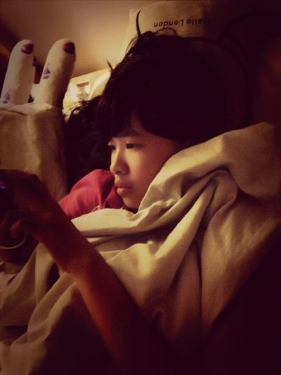 Gosh_still Hv A Bit Fever~ Monster J Dun Want To Sleep ~ Playing Ip ~.^* Tmr Is 9:00 Till 22:30 For The Show