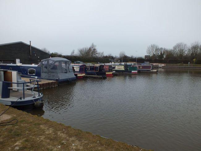 Devizes Barges Boat Harbour