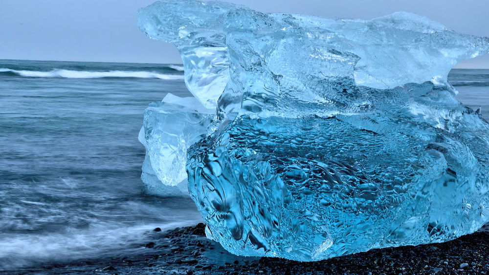 Iceland Beauty In Nature Blue Ice Glacier Close-up Cold Temperature Crystal Clear Diamond Beach Frozen Glacial Glacier Ice Formations Iceberg Jökulsárlón Glaciar Lagoon Natural Ice Formation Natural Ice Sculptures Nature Outdoors Purity Scenics Sea Shapes In Ice Sky Snow Wave Winter