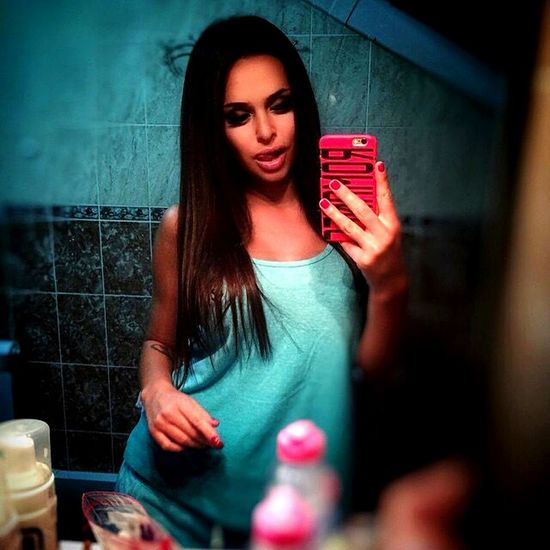 Selfie ✌ Bluetiles Pink Brunette Tanktop Bluebathroom Tattoo Metime Austin Texas Austin First Eyeem Photo First Eyeem Photo