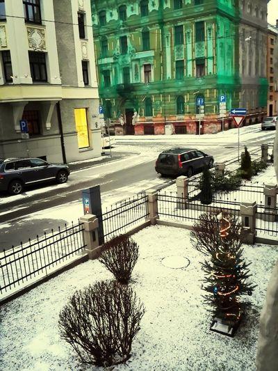 Finally snow!! Three weeks late!