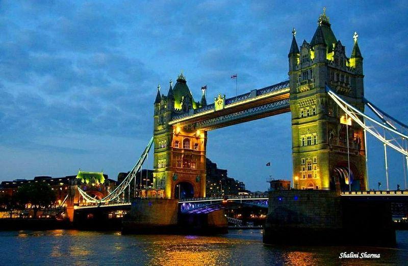 Evening view of d tower bridge 💙 #thamesriver #london #towerbridge #EyeEmNewHere #EyeEm #photography #JustMe #natgeo #nikon #City Cityscape Illuminated Water Bridge - Man Made Structure River Nautical Vessel Sky Architecture First Eyeem Photo