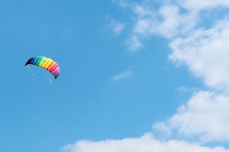 Cloud - Sky Flying Sky Adventure Parachute Multi Colored Blue Sport Outdoors Paragliding Lenkdrachen Kite In The Sky Kite Flying Kite Wind Power Wind Activity Backgrounds Summer Motion