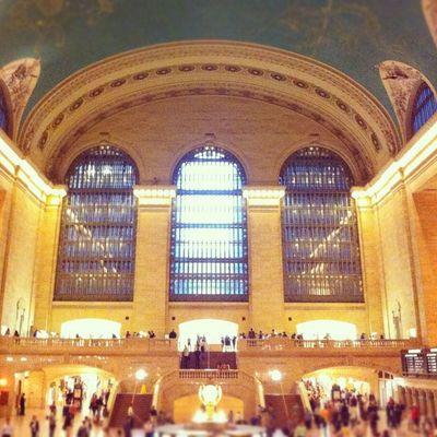 Hustle and Bustle NYC Beautiful Busy Newyorkcity Rushhour Newyorknewyork Grandcentral Timewireless