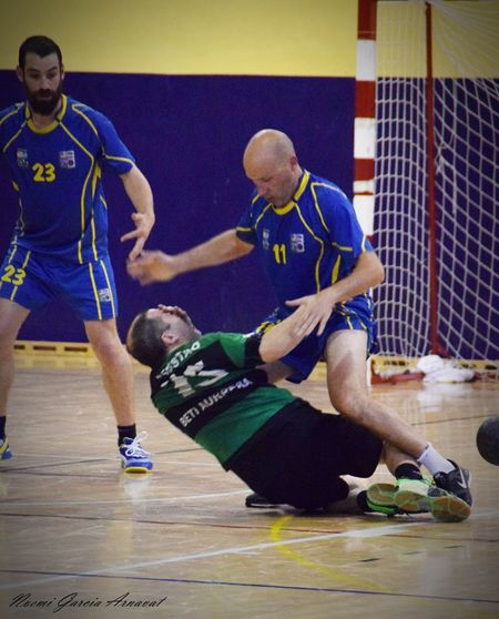 Women EyeEm Selects Handball Is My Life Handball Fotografie Fotography Only Men Coach Day Adults Only Full Length Two People Adult Indoors  Athlete People Sport Men Sportsman