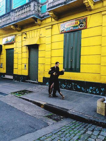 Tango callejero Architecture People Tango Dancers Dance In The Street City La Boca, Buenos Aires Bailarines Yellow Color Amarillo