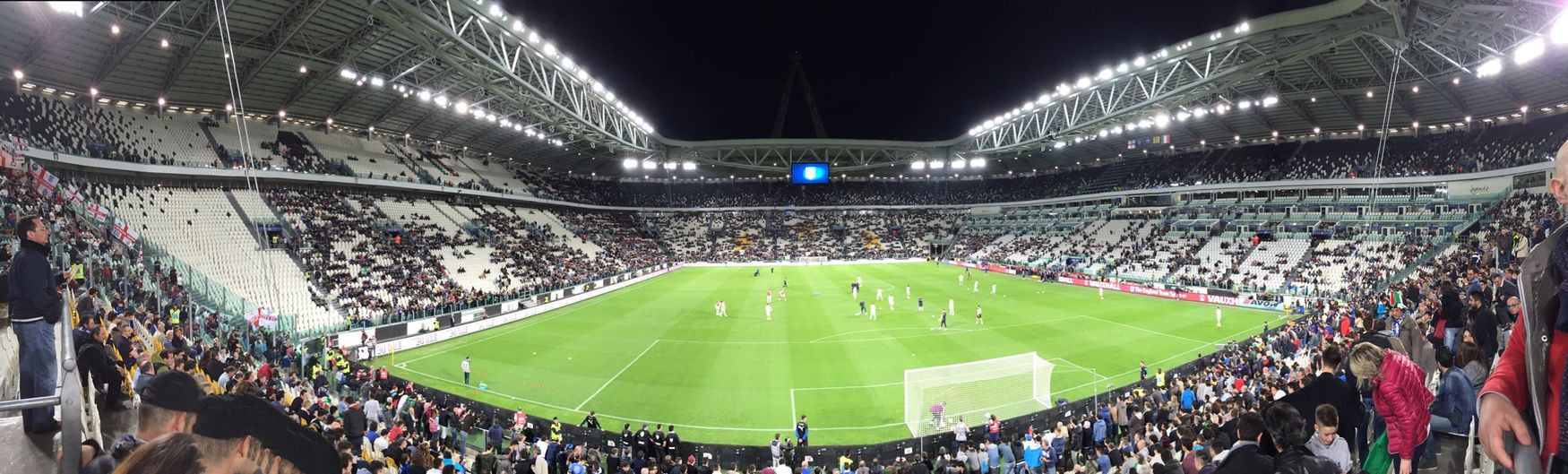Italia 🇮🇹 Inghilterra 🇬🇧 • Turin Juventus Stadium Match Playing Better Together Taking Photos Photography Picoftheday EyeEm EyeEm Best Edits Eye4photography  EyeEm Best Shots