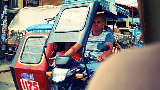 Encounter Philippines Portraits Catbalogan Portrait Poverty Streetphotography Subframing Tricycle EyeEmNewHere