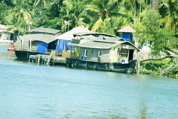 Beauty In Nature Houseboats KERALA HOUSE BOAT New Eyeem! Follow Me!! River Boat Water Adapted To The City Uniqueness EyeEmNewHere Lieblingsteil Miles Away The City Light Minimalist Architecture Carnival Crowds And Details