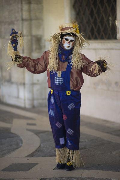 Blue Carnevale Carnevale Di Venezia Carnival Carnival Mask Dress Focus On Foreground Full Length Fun Mask Portrait Spaventa Passeri Straw Venice Venice Carnival The Portraitist - 2016 EyeEm Awards Carnival Crowds And Details