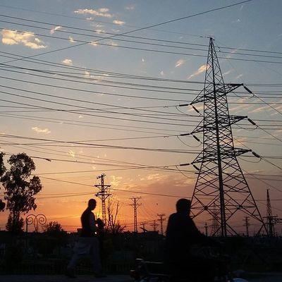 What a gorgeous sunset Islamabad! SubhanAllah! Islamabad Pakistan Aimanadeel Nofilterneeded Sunset Sunsetsniper Inlove Love Colors Travelgram Photographerslifeforme Photooftheday Clouds Evening Yummy Music GodIsAnArtist