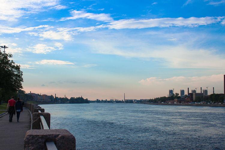 река River Fluss набережная Riverbank Ufer небо Sky Himmel нева петербург Спб
