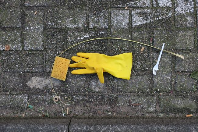 handy End Plastic Pollution Fork Paint The Town Yellow Close-up Day Garbage Glove Handcare No People Outdoors Sponge Streetview Streetwork Yellow