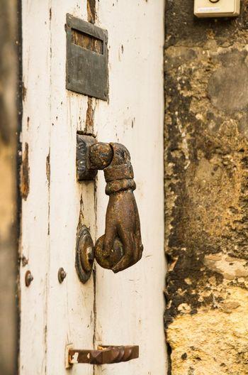 Knocker Rapper Door Hand Brass Brass Door Knocker Selective Focus Artsy Doors